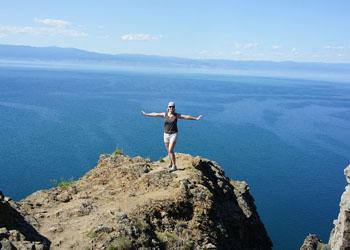 На скале. Байкал